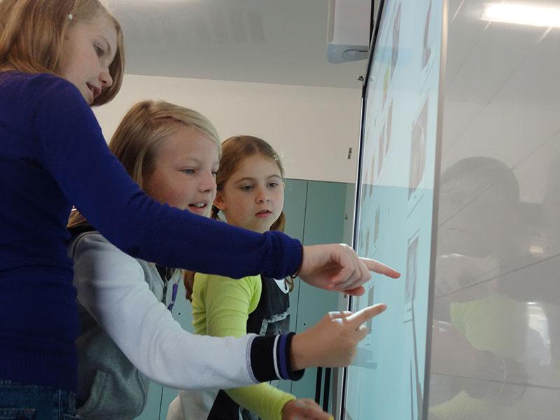 Un TBI ou un écran de projection dans votre classe - pour des apprentissages interactifs (2)